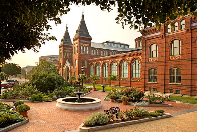 Photo:  Smithsonian Institution 2